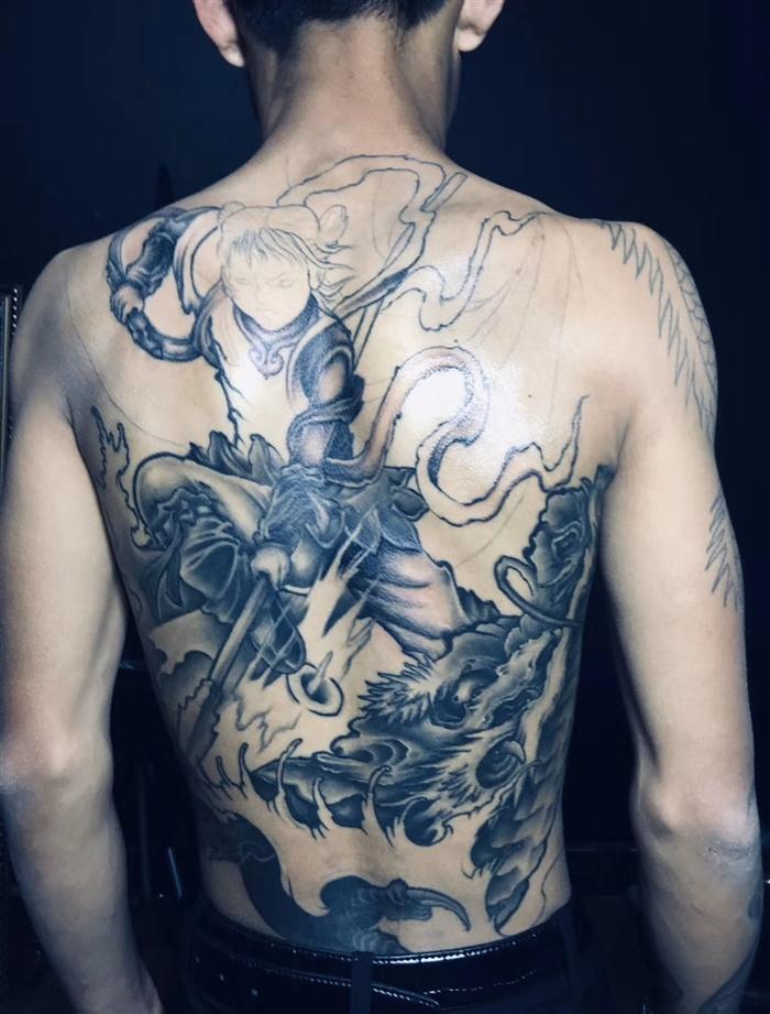 新传统哪吒纹身